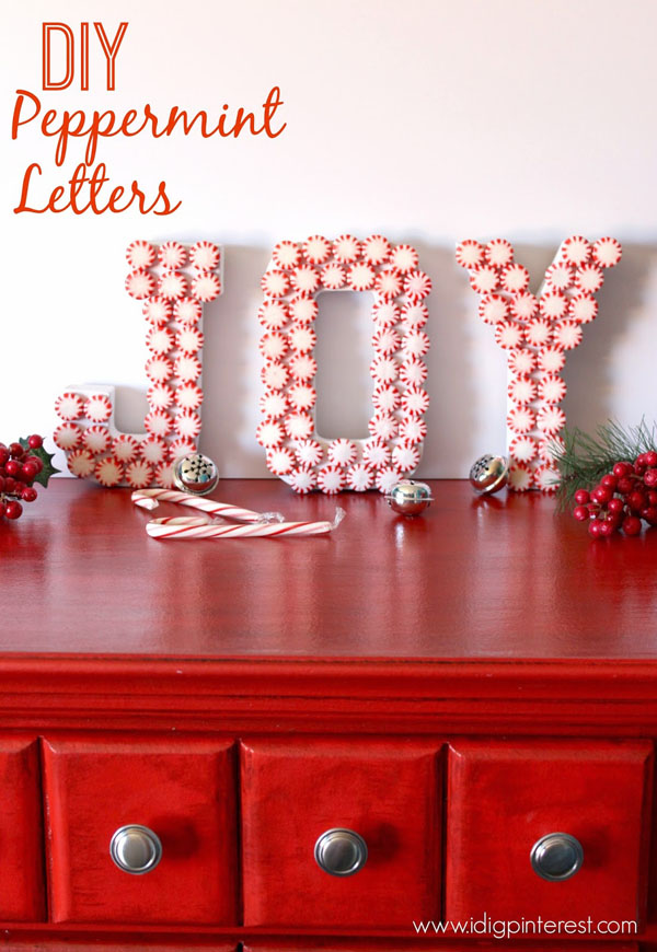 red-white-christmas-decorations-14