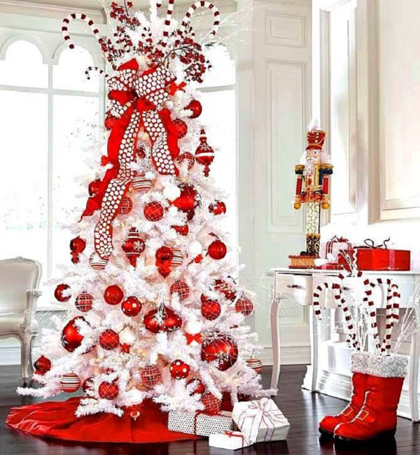 40 red and white christmas decorating ideas all about for Christmas tree with red and silver decorations