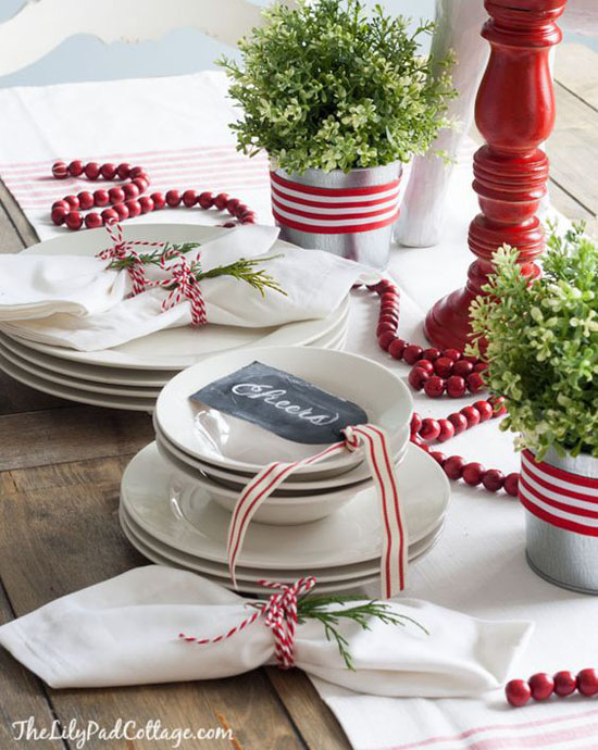 red-white-christmas-decorations-6