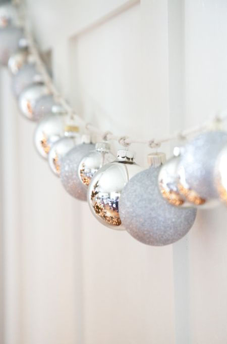 silver-christmas-decorations-15