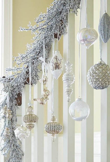 silver-christmas-decorations-32