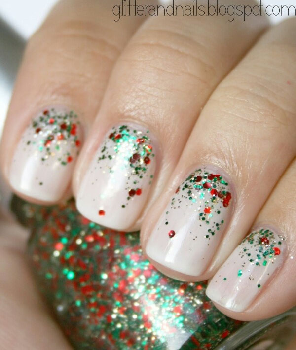 Christmas Nails With Glitter: Simple Christmas Nail Art Designs