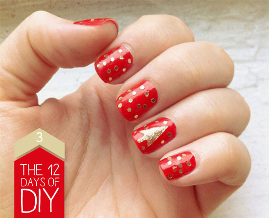 simple-christmas-nail-designs-7