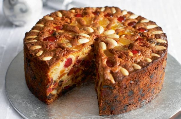 1(Mary-Berrys-Victorian-Christmas-cake)
