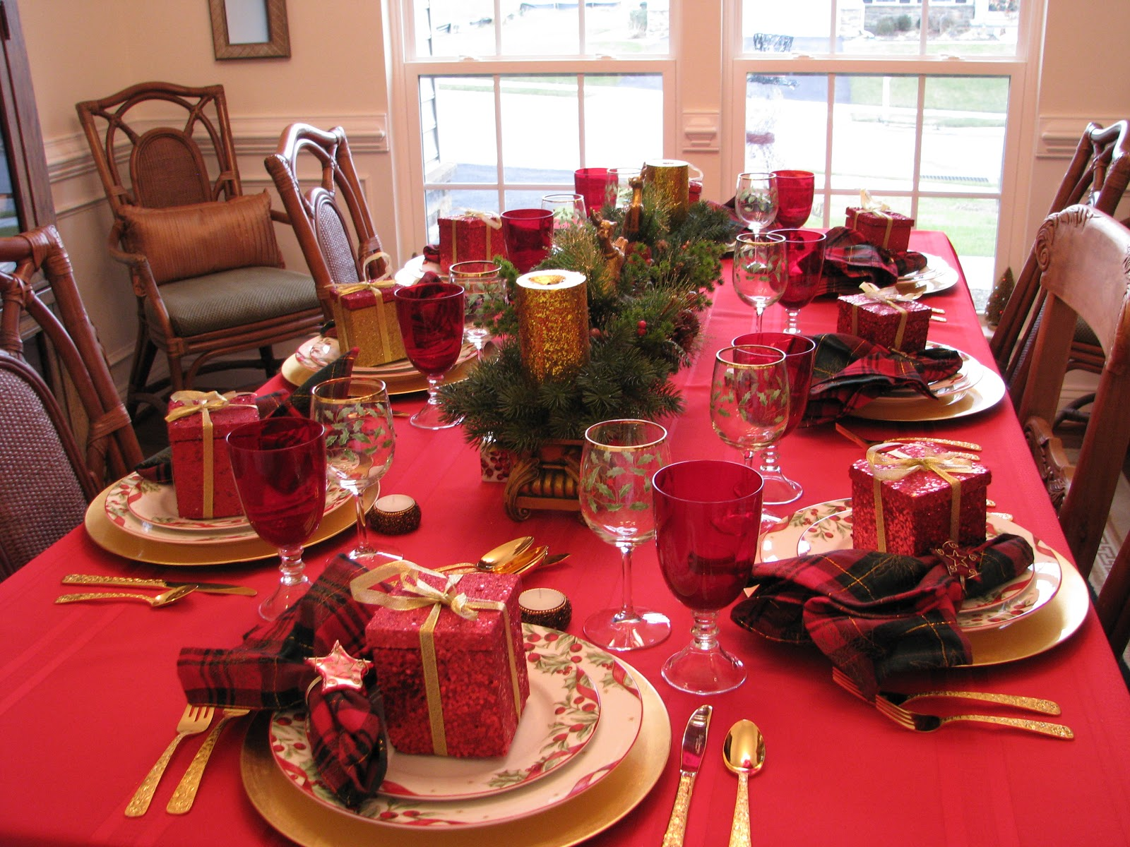 40 christmas dinner table decoration ideas all about christmas - Christmas Dinner Table Decorations