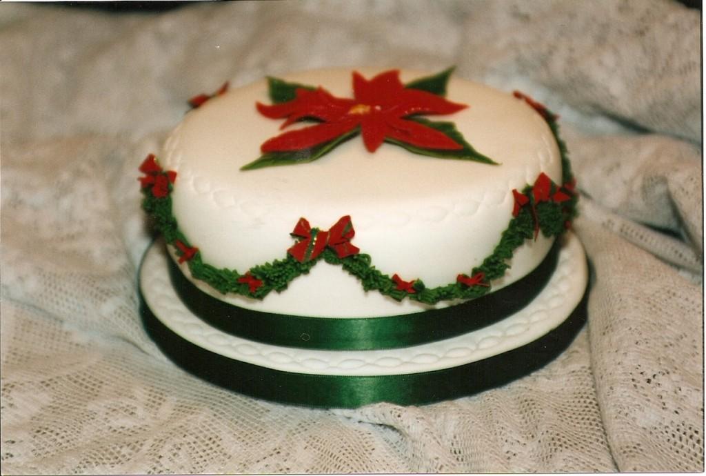 30(Poinsetta-Cake-1024x690)