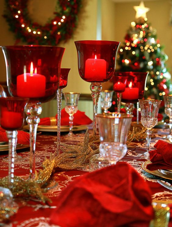 40 christmas dinner table decoration ideas all about. Black Bedroom Furniture Sets. Home Design Ideas