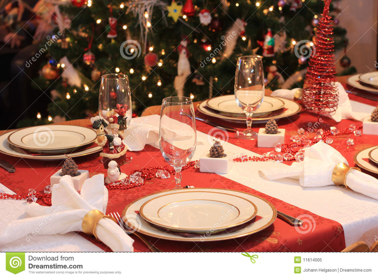 40 Christmas Dinner Table Decoration Ideas All About & Table Set For Christmas Dinner - Castrophotos
