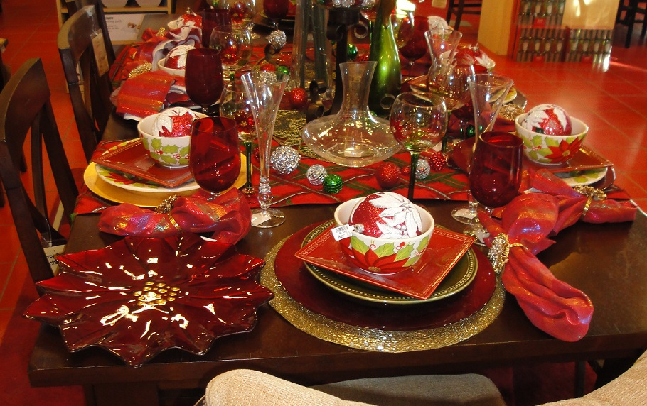 40 Christmas Dinner Table Decoration Ideas - All About Christmas