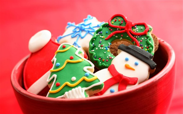 Make Christmas Tree Biscuits