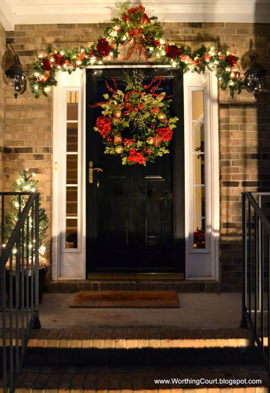 Most loved christmas door decorations ideas on pinterest for Door garland christmas