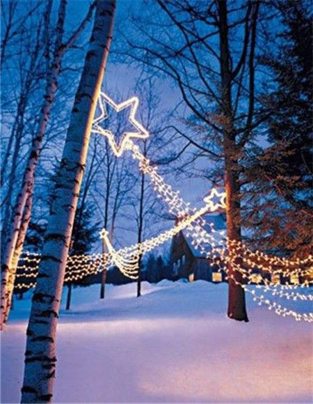 Most loved outdoor christmas decorations on pinterest for Easy christmas light ideas outdoor