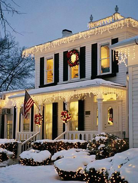Most loved outdoor christmas decorations on pinterest all about christmas wreaths and outdoor icicle lights christmas outdoor decorations pinterest 4 aloadofball Images