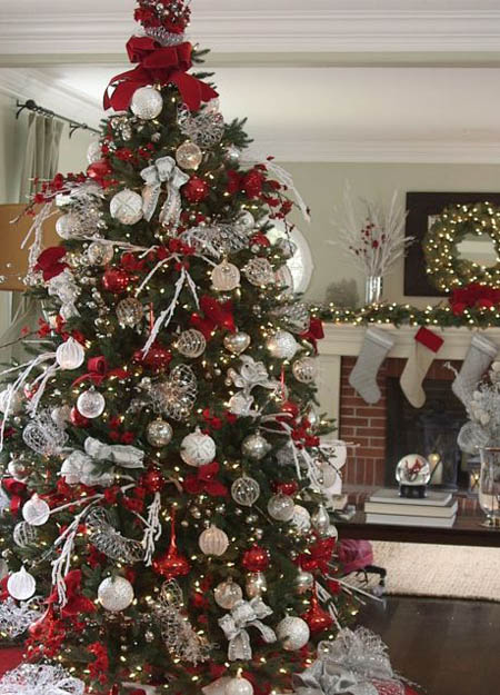 Old Country Roses Christmas Tree