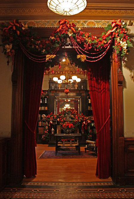 30 exquisitely stunning victorian christmas decorating