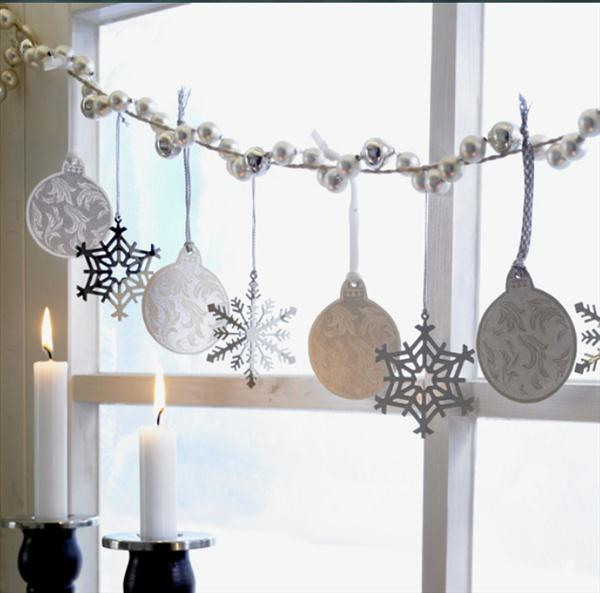 1 - How To Decorate Windows For Christmas