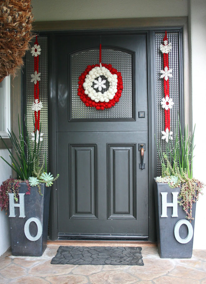 11 cotton decor - How To Decorate Your Door For Christmas
