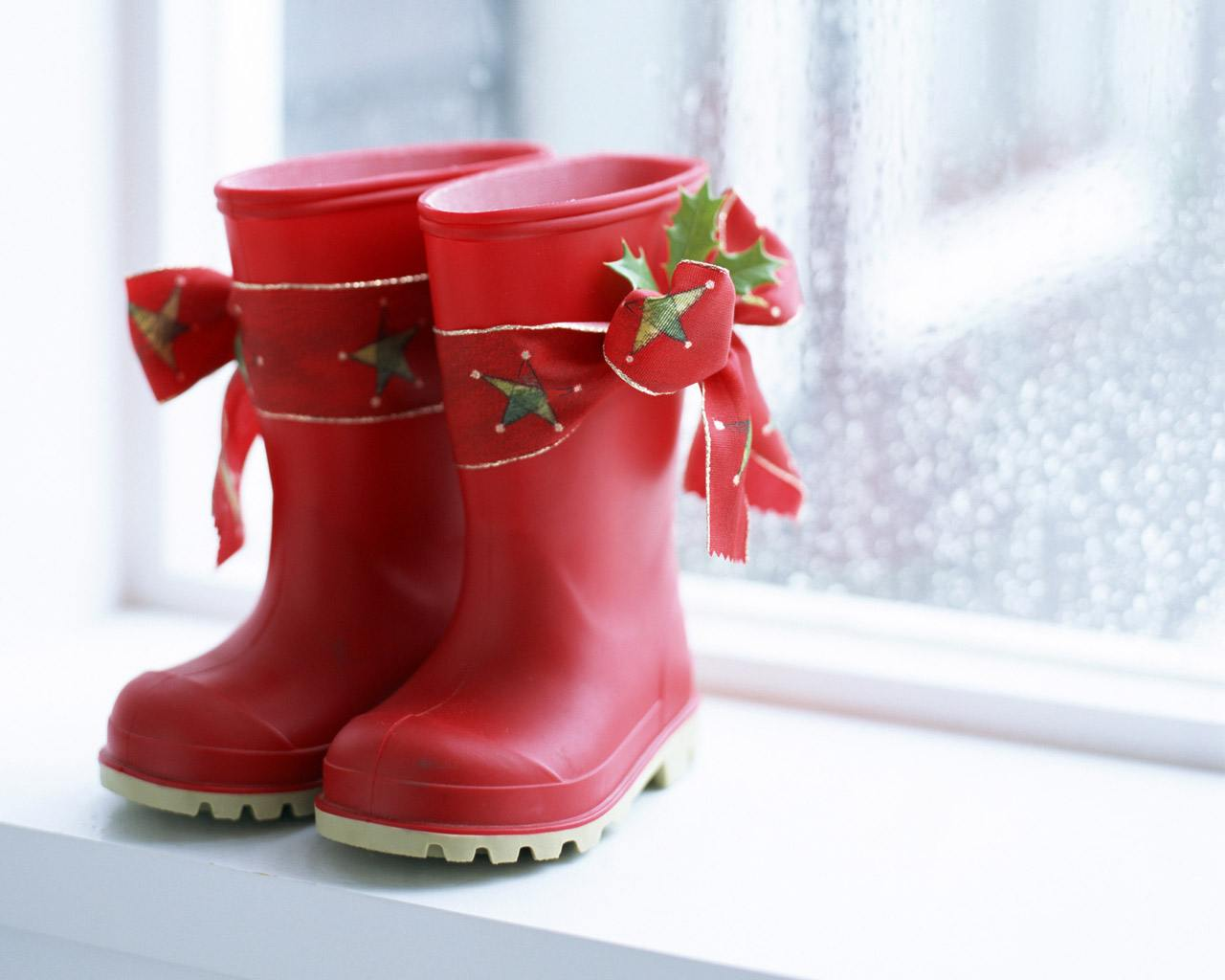 Christmas Shoe.40 Super Cool Christmas Shoes And Ways To Decorate With It