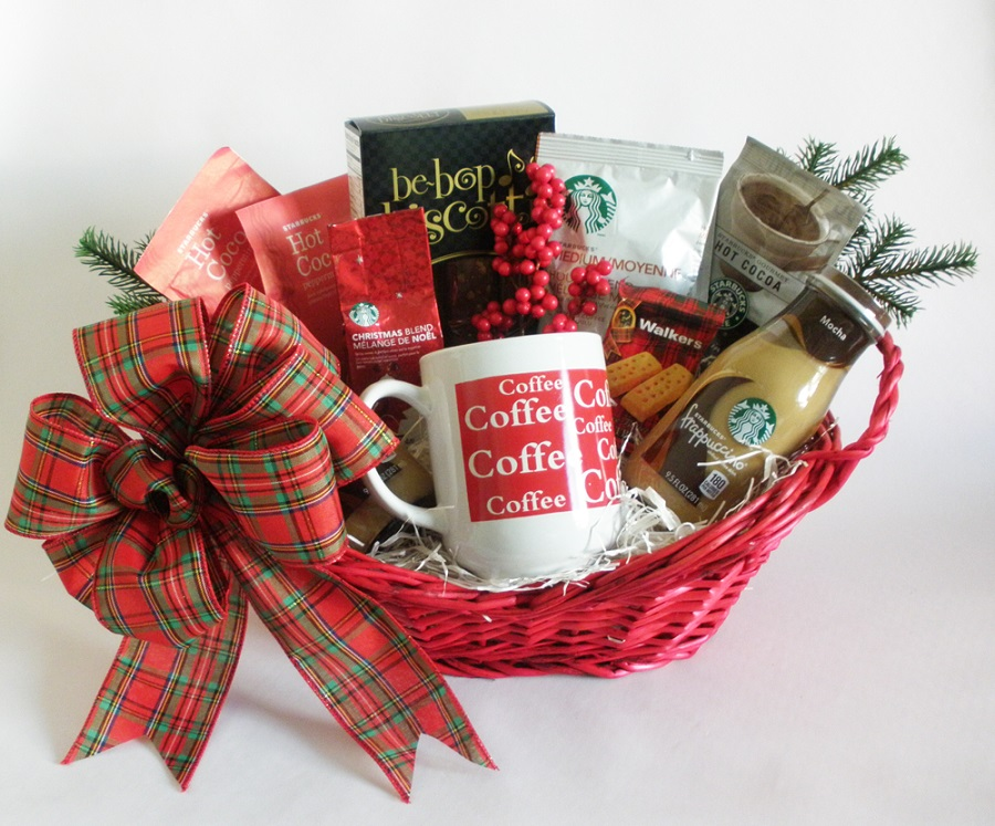 Christmas Gift Baskets Ideas.40 Best Christmas Gift Basket Decoration Ideas All About