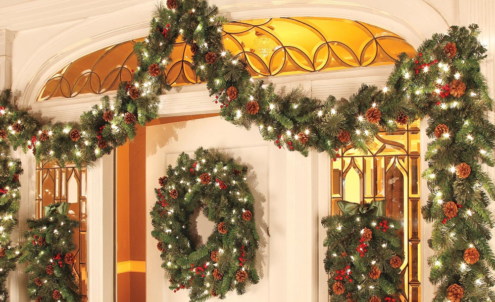 40 interesting christmas garland decoration ideas all Outdoor christmas garland ideas