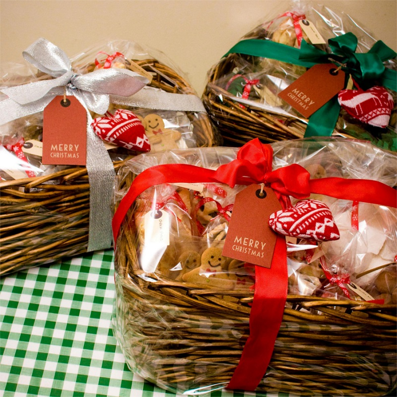 40 Best Christmas Gift Basket Decoration Ideas - All About Christmas