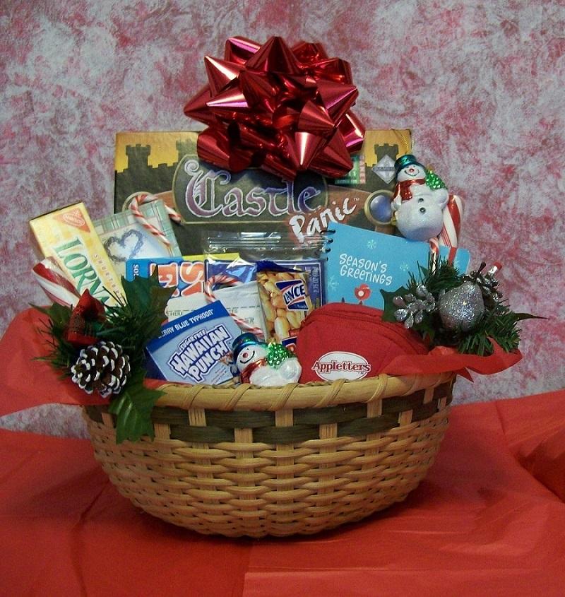 40 best christmas gift basket decoration ideas all about christmas 5 source basket gift decorations negle Images
