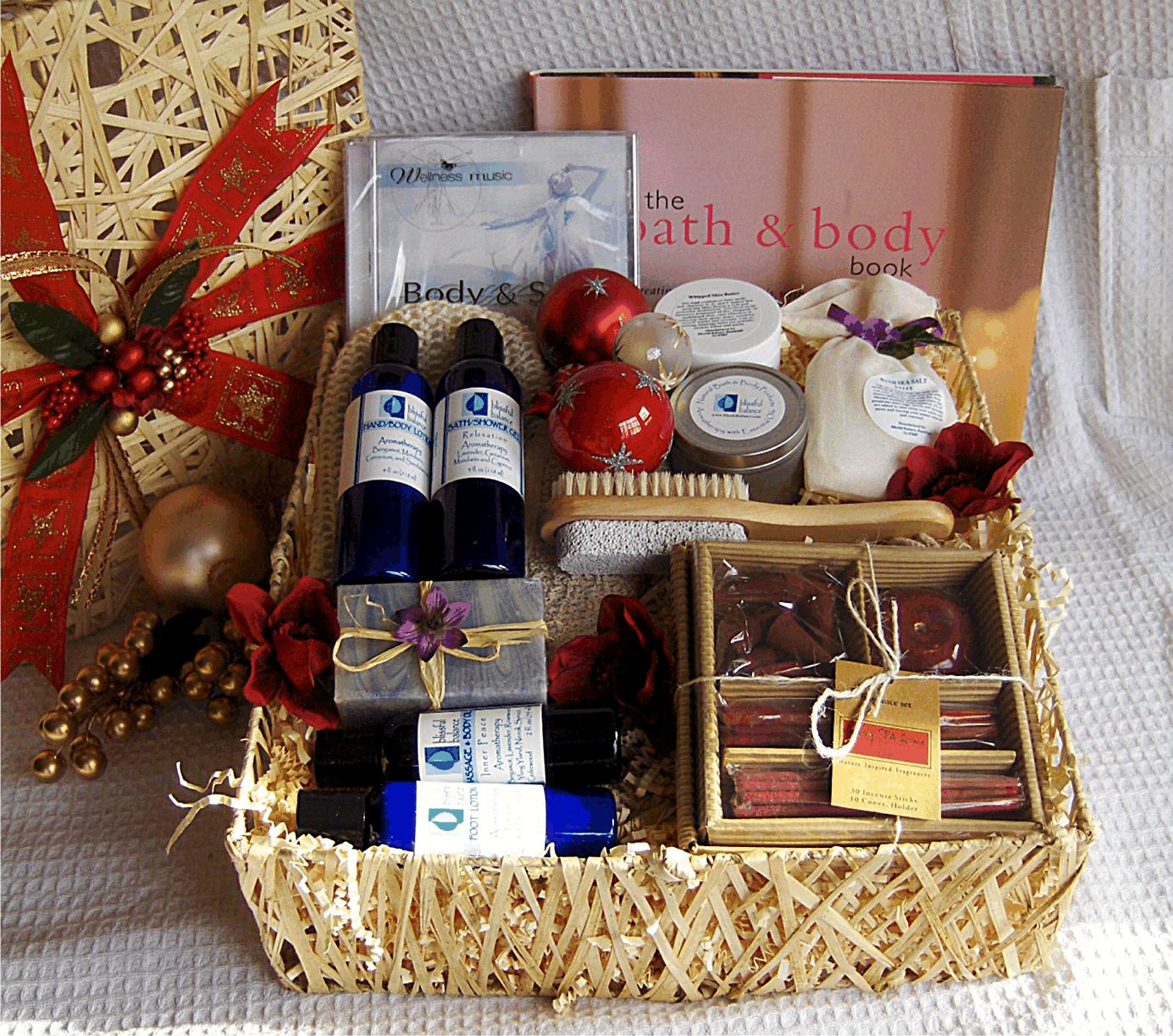 40 Best Christmas Gift Basket Decoration Ideas