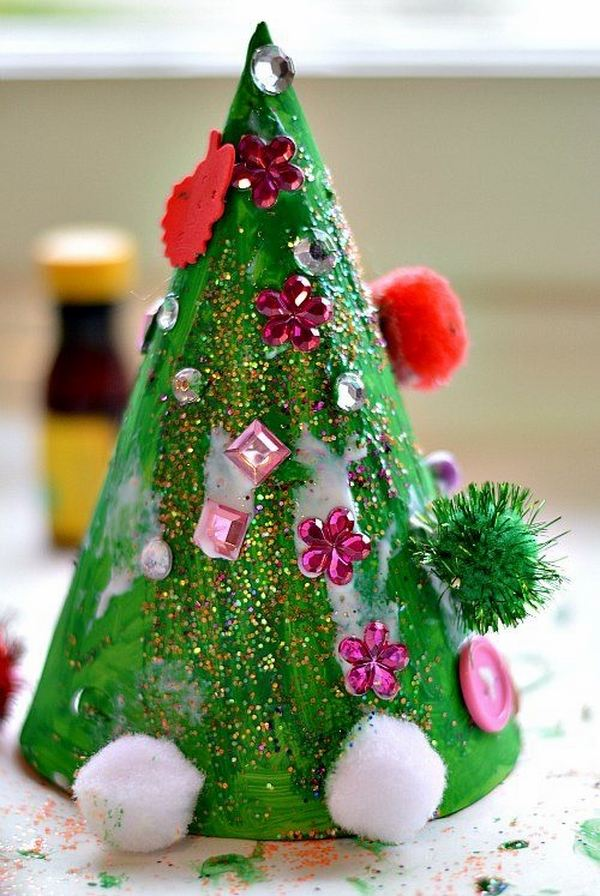 40 fantabulous christmas decorations for kids all about for Simple christmas decorations to make