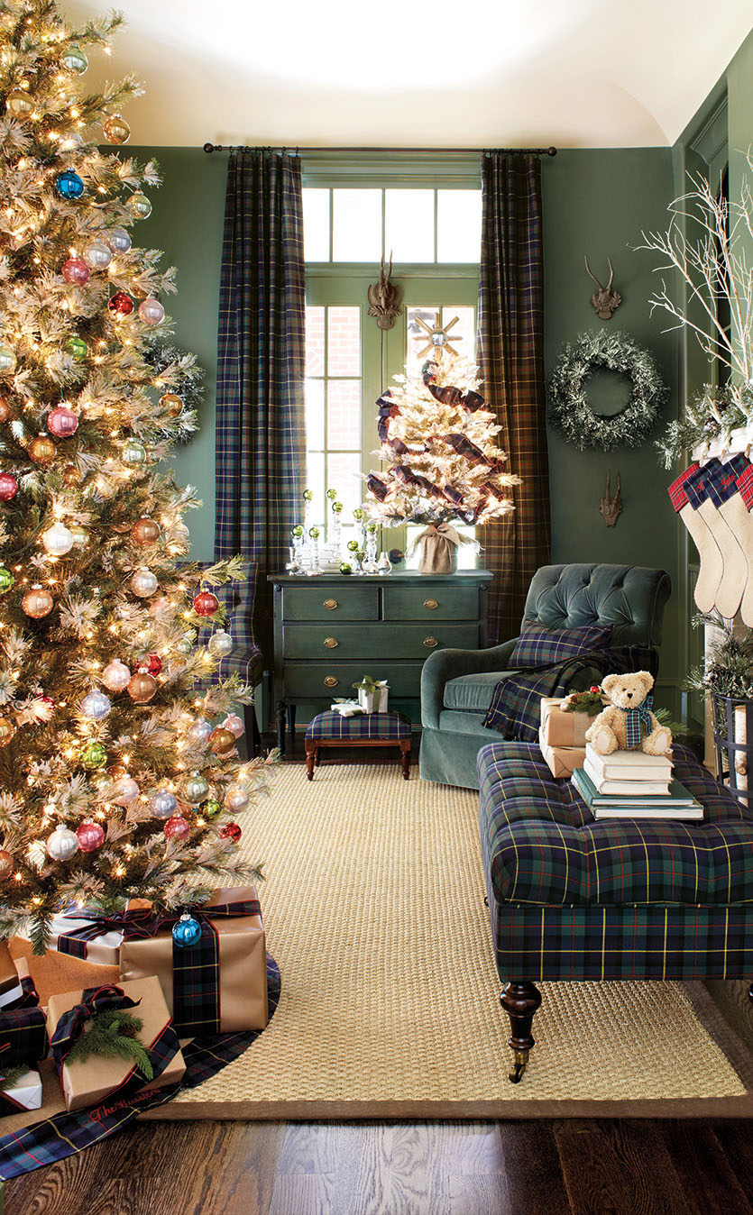 Christmas decorating ideas for living room walls room image and 40 fantastic living room christmas decoration ideas all about amipublicfo Gallery