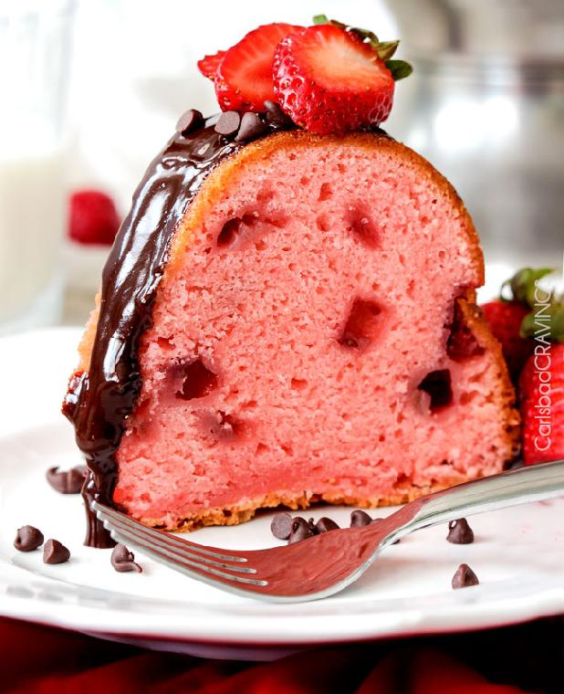 chocolate-covered-strawberry-pound-cake