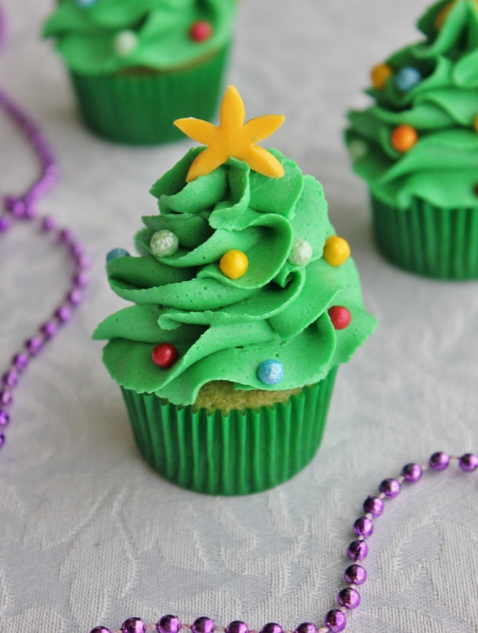 Mini-Christmas-Tree-Cupcake