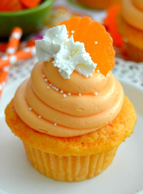 orange-creamsicle-cupcakes