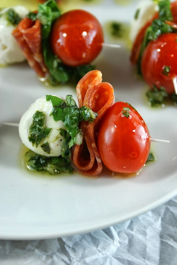 pepperoni-caprese-bites-with-basil-vinaigrette